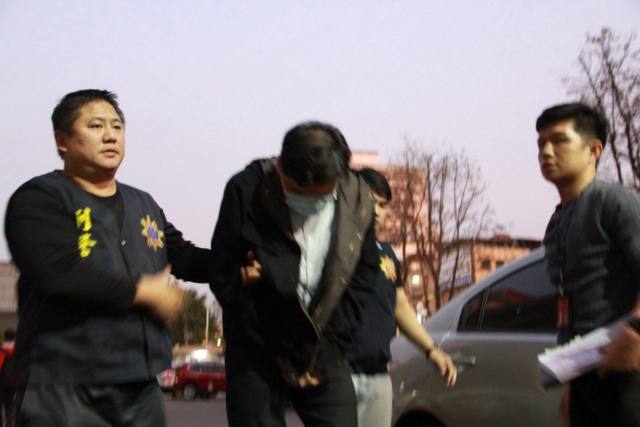 前調查官涉嫌恐嚇余天、館長 法院裁定20萬交保
