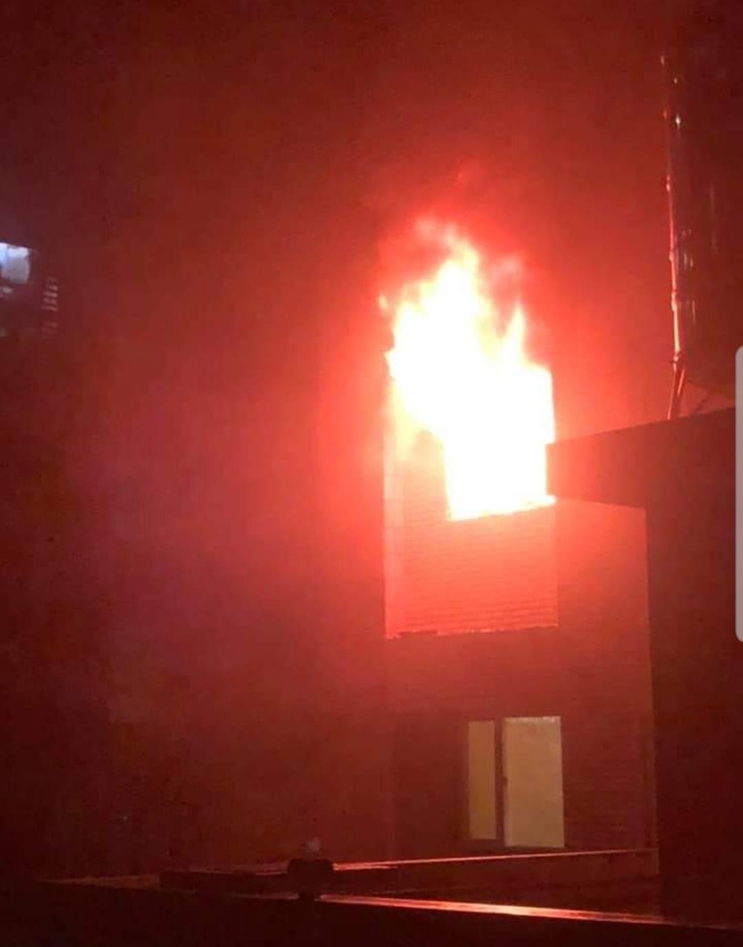 桃園蘆竹大樓凌晨火警 5樓向上延燒4層