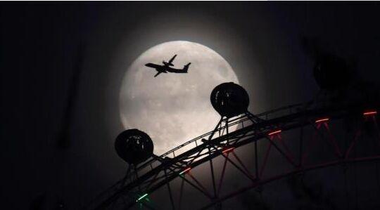 """""""超级月亮""""将在全球各地现身 系今年最大满月"""