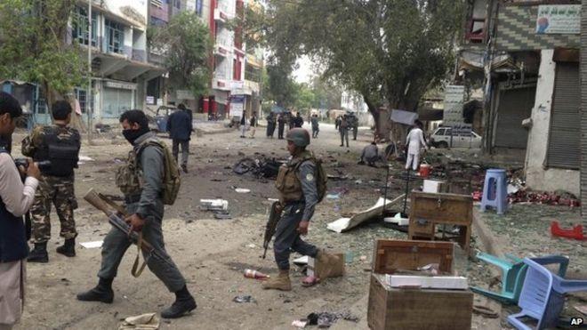 阿富汗東部城市連環爆 增至123傷